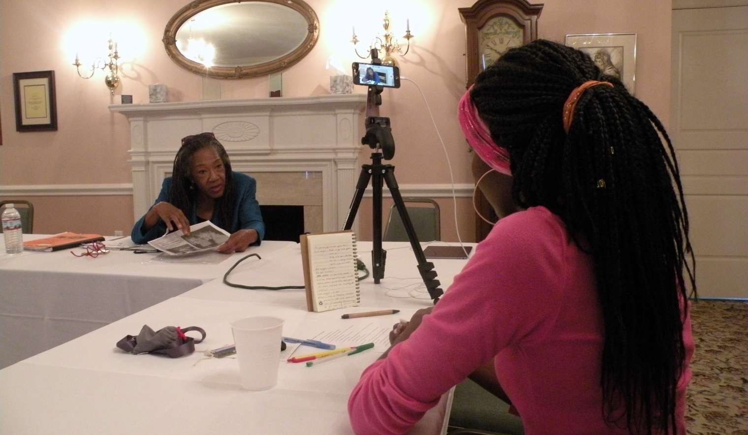 Student at the Heritage Museum and Cultural Center interviews Mamie Yarbrough