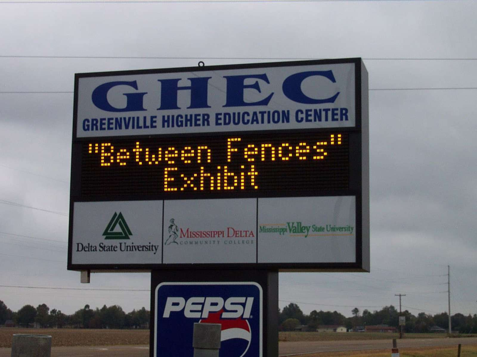 Between Fences Greenville, Mississippi 2005
