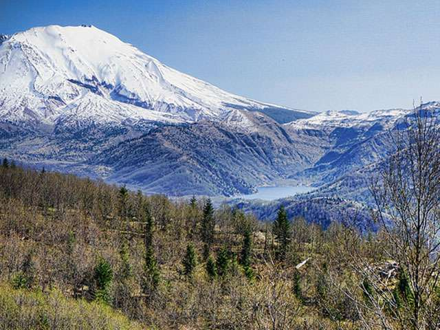 A snowy view of the summit of Mount Saint Helens.