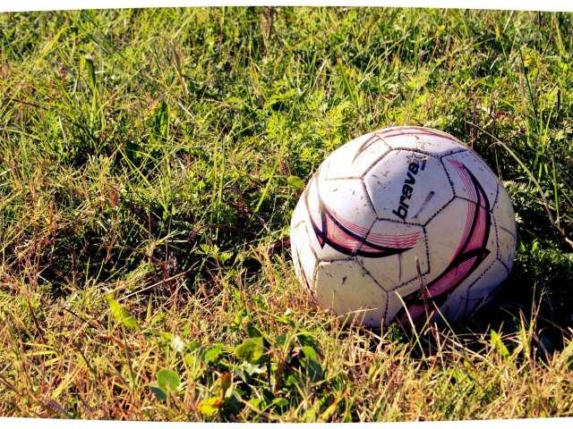 """Photo of """"Lonely Soccer Ball"""" by Derek Bruff. Flickr Creative Commons. Attribution Non-Commercial. https://www.flickr.com/photos/derekbruff/8007918860/in/photolist-dcCFhy-6afxSc-7uN2gA-3Vt9t-8VXSMb-6X3zgg-6X7zcN-5pmyDz-8PxP2k-9HWgwb-rQH1mT-5pjzC6-3NdUir-83rom1-r76haa-bm1eVQ-24c2iy-6VyHj-9rZwxy-bBVTMr-qVJg9x-zZifqY-ko1nX-dtw2tA-6NbSCH-kndd9-LqQ1S-rPGWMA-jSWS6U-6Ng3Sj-4DV4tj-gyq3W-6bafAd-a3PAfr-bswZYB-j4qBkc-saDmF2-dVgqGg-7PpgYp-e3Dnsp-GYXZei-72ra5B-4Vnhm3-6tmmfk-7jEFgn-mEuob3-b6PZQc-dFdKyt-aARK8V-6b65Nc"""
