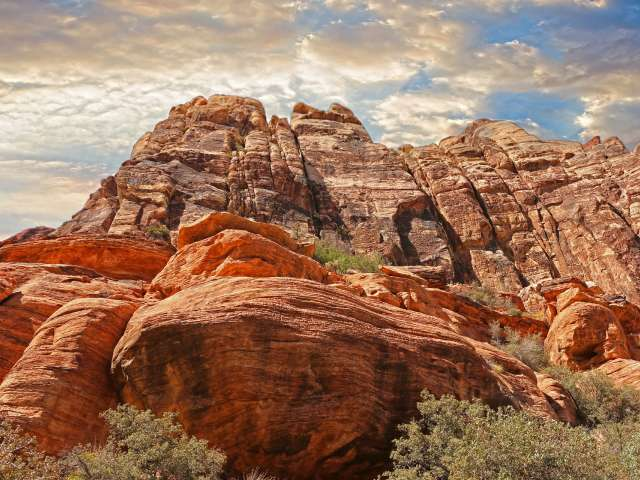 A beautiful view of red rocks and cliffs in Nevada. Pixabay stock photo